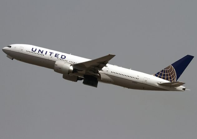 самолет United Airlines
