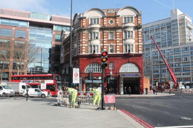 вход а станцию Bakerloo line